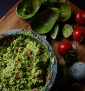 easy-homemade-guacamole-2-293